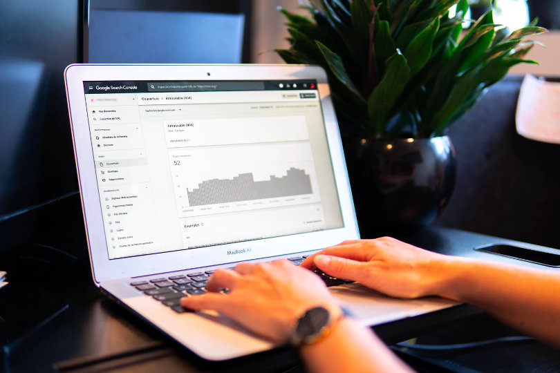 SEO specialist who works with the Google search console